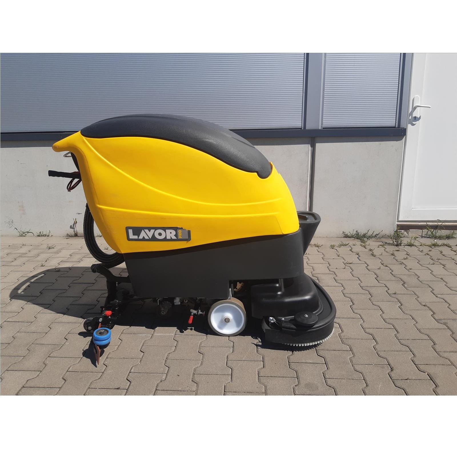 Repasovaný podlahový mycí stroj M-SCL 66BT včetně záruky