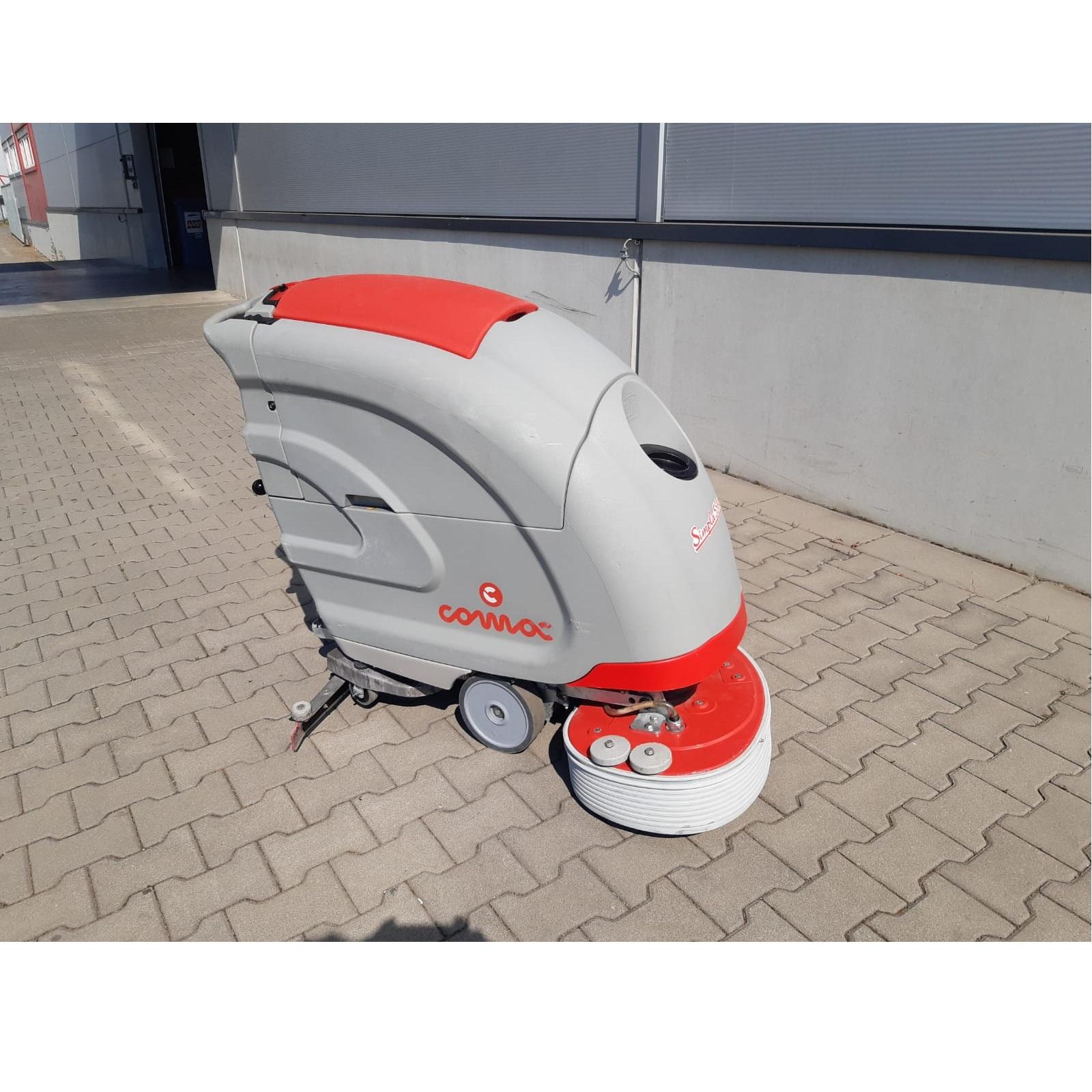 Repasovaný podlahový mycí stroj COMAC SIMPLA 55 včetně záruky